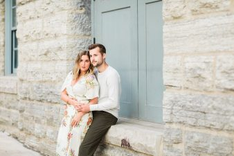 23-Downtown-Twin-Cities-Engagement-photos-James-Stokes-Photography