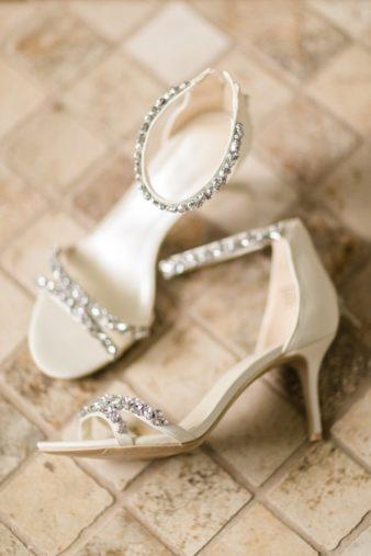 03-Wisconsin-Classic-Country-Club-Catholic-Wedding-James-Stokes-Photography