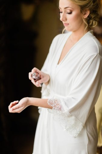 07-Wisconsin-Classic-Country-Club-Catholic-Wedding-James-Stokes-Photography