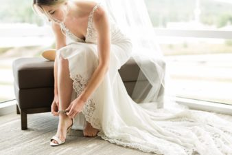 11-Hilton-Garden-Inn-Wausua-Wedding-Prep-James-Stokes-Photography