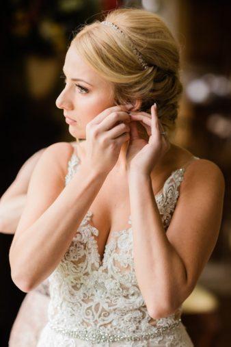 11-Wisconsin-Classic-Country-Club-Catholic-Wedding-James-Stokes-Photography