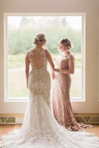 12-Wisconsin-Classic-Country-Club-Catholic-Wedding-James-Stokes-Photography