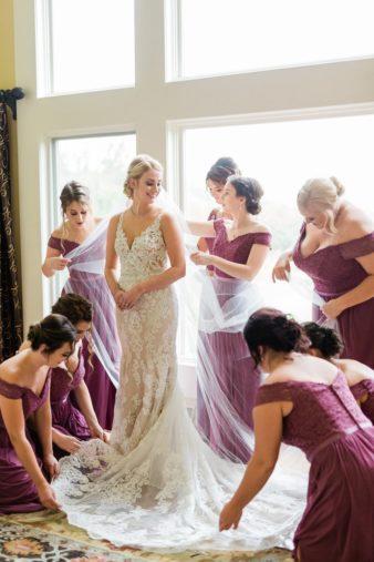 20-Wisconsin-Classic-Country-Club-Catholic-Wedding-James-Stokes-Photography