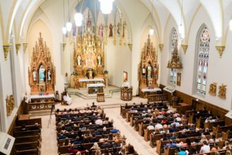 26-Wisconsin-Classic-Country-Club-Catholic-Wedding-James-Stokes-Photography