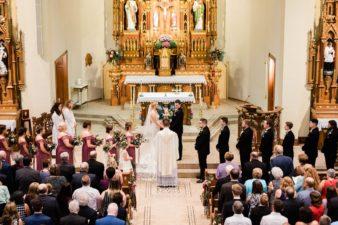27-Wisconsin-Classic-Country-Club-Catholic-Wedding-James-Stokes-Photography