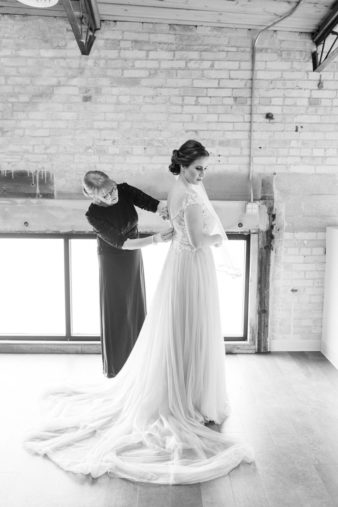 28-Eastern-Wisconsin-Wedding-Photographers-Gather-on-Broadway-Loft-James-Stokes-Photography-
