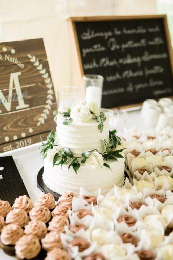 53-Wisconsin-Backyard-Classic-Wedding-James-Stokes-Photography