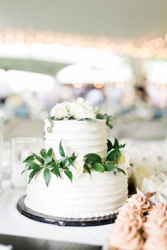 54-Wisconsin-Backyard-Classic-Wedding-James-Stokes-Photography